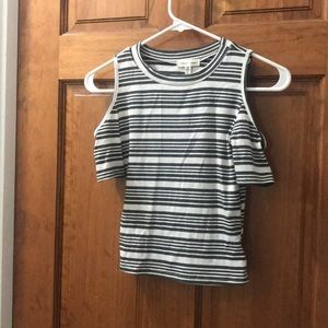 NWT URBAN OUTFITTERS CROP TOP WOTH COLD SHOULDERS